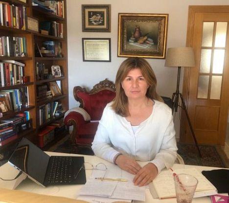 Espinosa recuerda que los sanitarios que trabajen en Semana Santa cobrarán como festivos