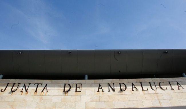 2100 almerienses ya reciben la Renta Mínima de la Junta de Andalucía