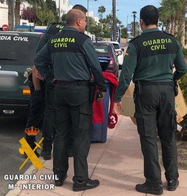 La Guardia Civil evita el suicidio de una persona en Almería