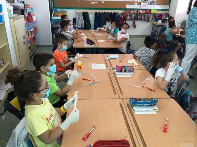 Los docentes de Almería usan recursos tecnológicos propios para las clases durante el confinamiento