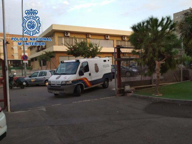 La Policía Nacional ha detenido a un hombre por robar a un indigente