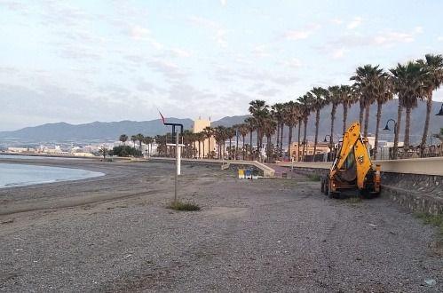 Adra prevé medidas transitorias en la fase 2 para el baño en las playas