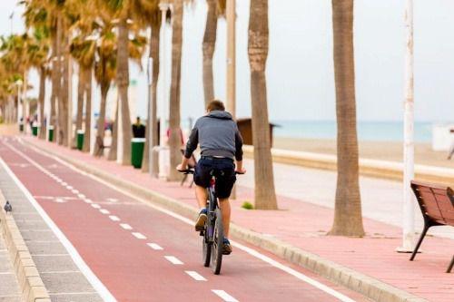 El Ayuntamiento de Almería intensifica la limpieza y la vigilancia en las playas en la Fase 2