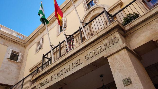 En Almería 'tres' minutos de silencio por las víctimas del #COVID19