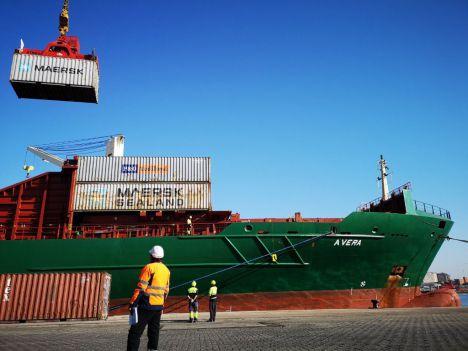 El Puerto de Almería movió hasta abril un 24,1% más de mercancía que en 2019