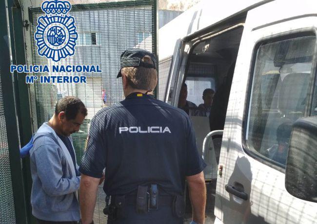 Cuatro pateristas detenidos tras ganar 70.000 euros por cruzar a 35 personas