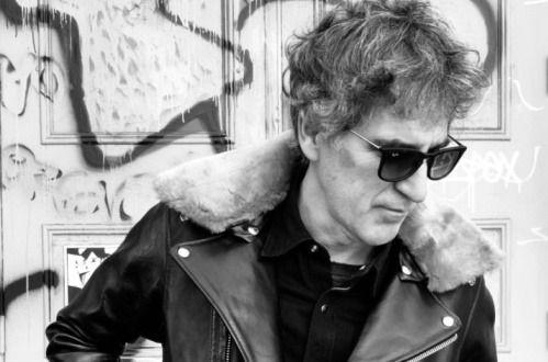Mikel Erentxun y sus canciones tomarán el viernes la Plaza Vieja