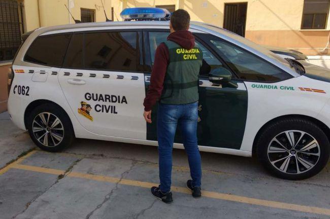 Dos detenidos en la A-7 cuando viajaban a Almería con un kilo de hachís