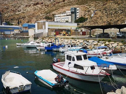 Ayudas de la Junta por la parada biológica a pescadores de Almería