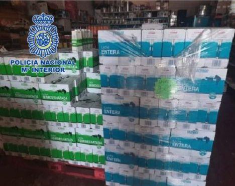 Detenido el responsable de logística de Cruz Roja en Almería por facilitar el robo y venta de leche donada