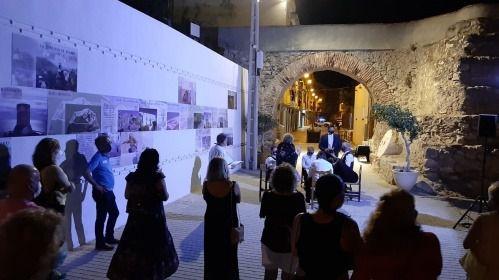 Éxito de las cuatro jornadas de visitas teatralizadas de Adra