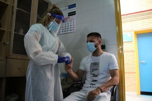Pruebas serológicas a los sanitarios que se incorporen a los centros