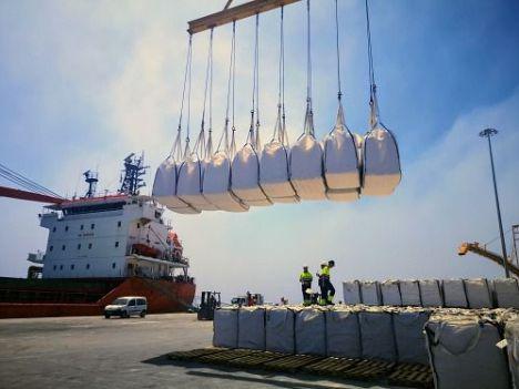 El tráfico de mercancías en la Autoridad Portuaria de Almería crece un 23,2% en julio