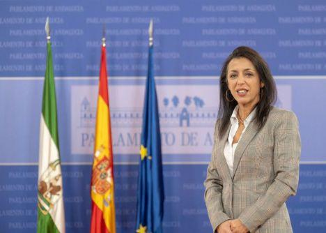 La presidenta del Parlamento destaca la apuesta dle Gobierno andaluz por el turismo