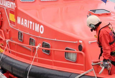 64 hombres rescatados en cuatro pateras en Alborán