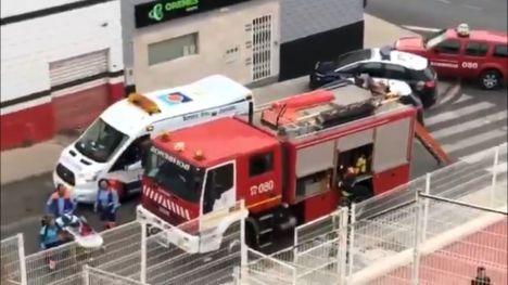 Cinco afectados en el incendio de un piso en Roquetas de Mar