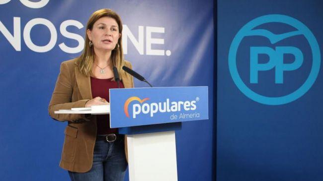 Espinosa recuerda al PSOE que son los responsables de la 'fuga de batas blancas'