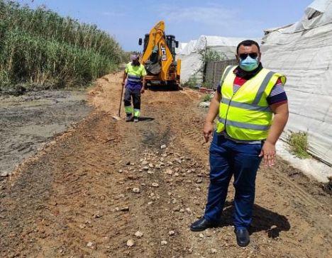Limpieza municipal de los canales de desagüe de la Balsa del Sapo