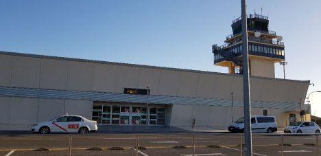 AENA reduce los vigilantes de seguridad del Aeropuerto de Almería
