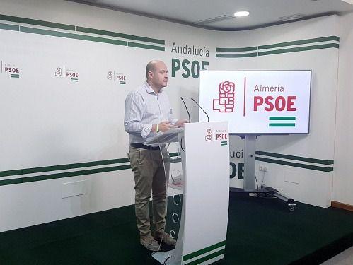 El PSOE de Almería activa una campaña de apoyo al comercio local en Navidad