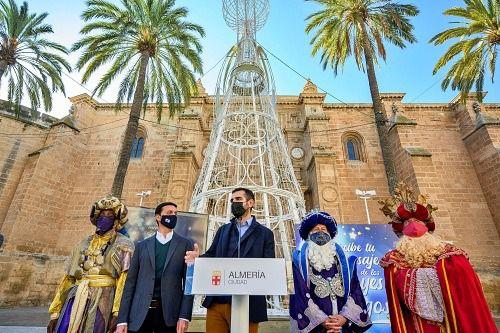 El Ayuntamiento recibirá a los Reyes Magos con música, teatro y fuegos artificiales