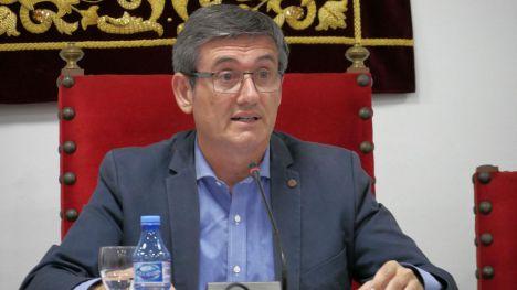 El alcalde de Adra presenta un presupuesto contra los efectos de la COVID-19