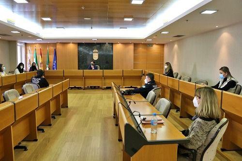 Minuto de silencio en el Pleno ejidense por las víctimas del Covid-19 y Ramón Luque