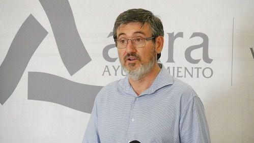 """Cortés valora """"positivamente"""" la reapertura del comercio y hostelería"""