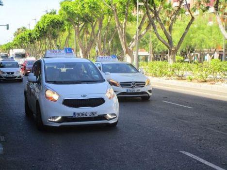 Retrasos de hasta cuatro meses para poder sacarse el carnet de conducir en Almería