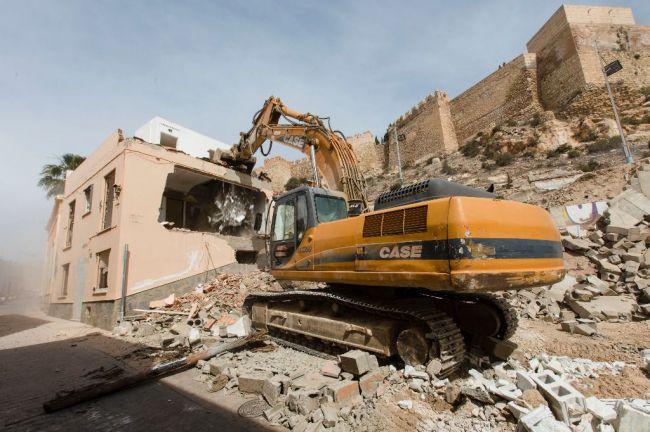 Licitados los trabajos arqueológicos en la calle Almanzor para mejorar el entorno de la Alcazaba