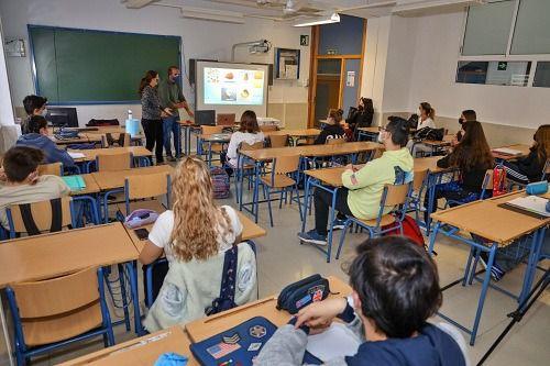Oferta de empleo para 133 profesores bilingües de español en Europa y China