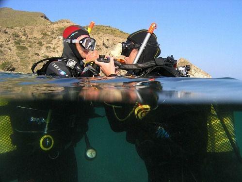 El PMD enseña los fondos marinos de Cabo de Gata con buceo y barco