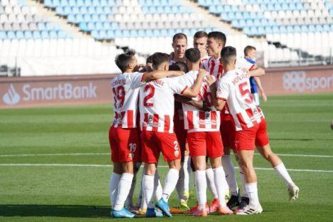 El Almería entre los 5 equipos en tres puntos a falta de dos jornadas