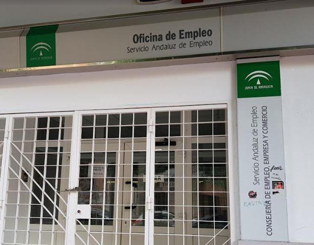 Las oficinas del SAE de Almería funcionan con un tercio de la plantilla