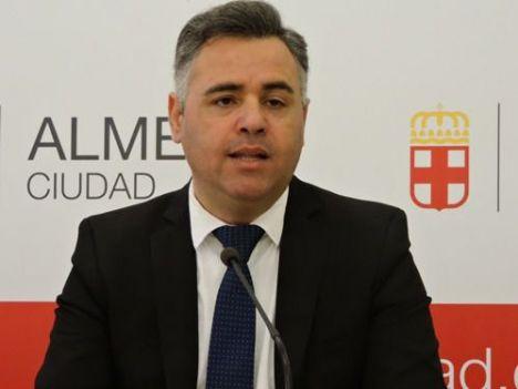 El PSOE logra el compromiso de PP, Vox y Cs para que se cumpla la Ley de Memoria