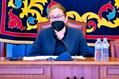 """La alcaldesa de Níjar detalla que """"hemos bajado la deuda por habitante más de 600 euros"""""""