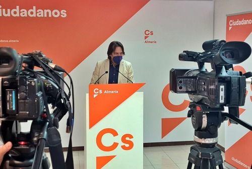 """Burgos: """"Cs ha optado por estar al lado de los problemas de los almerienses"""""""