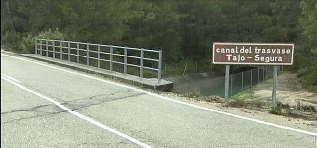 Los regantes del Almanzora pierden un 30% de agua por culpa del Gobierno