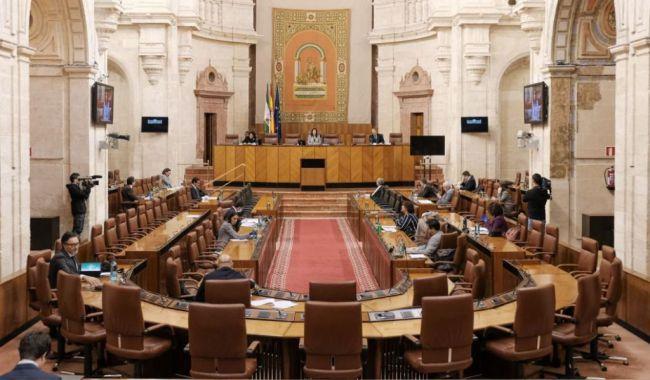 La Comisión de la que cobran 10 parlamentarios andaluces sin trabajar