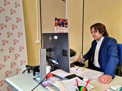 Burgos defiende su gestión al frente de la comisión del caso mascarillas