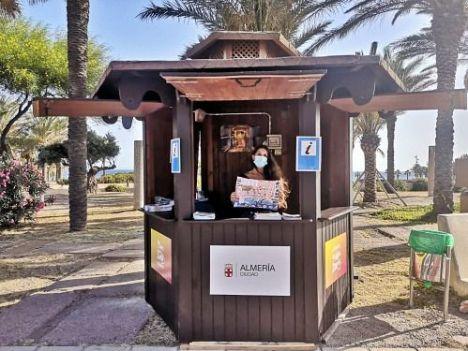 El punto de información turística de El Toyo se estrena con 1.000 visitantes