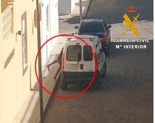 Detenido un ladrón que fue grabado en video en Níjar y compartido en redes sociales