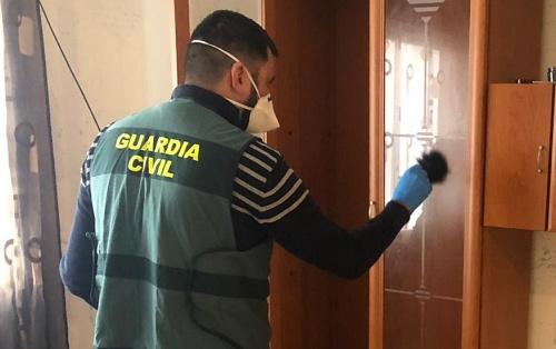 Tres detenidos por varios robos con escalo en viviendas de Roquetas de Mar