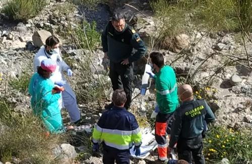 Un técnico de AGAPA es rescatado tras caer por un barranco de 10 metros mientras hacía mediciones