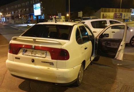 Inmovilizan dos nuevos taxis piratas e identifican a sus conductores
