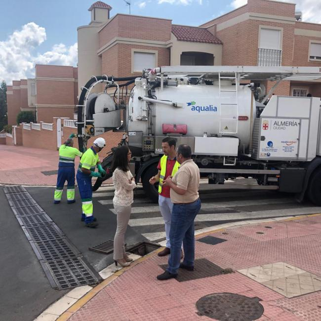 El Ayuntamiento y Aqualia limpian en lo que va de año más de 13.000 imbornales