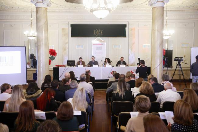 """El alcalde felicita a todas las empresas que en Almería """"hacen bien las cosas"""""""