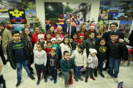 Los colombianos de Almería celebran su tradicional Novena de Aguinaldos