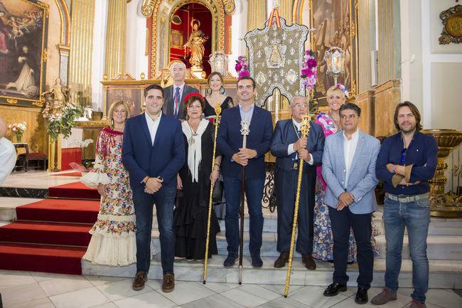 El alcalde despide a los romeros almerienses que ponen rumbo al Rocío