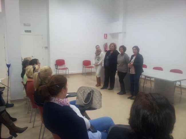 Cubiertas las 20 plazas para el curso Auxiliar de Ayuda a Domicilio que imparte Cruz Roja en Vícar